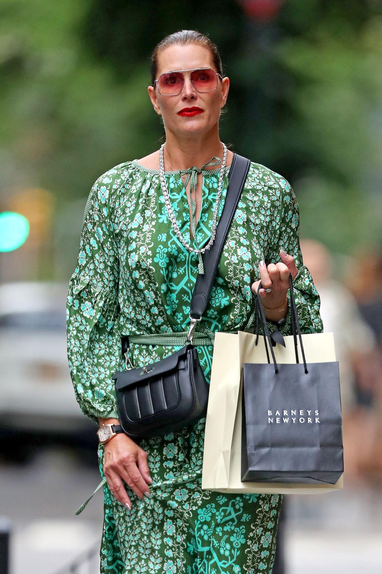 Brooke Shields Shopping In Nyc 06 07 2019