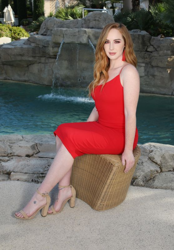 """Camryn Grimes - """"The Young and the Restless"""" Photocall at Monte-Carlo Television Festival 06/16/2019"""