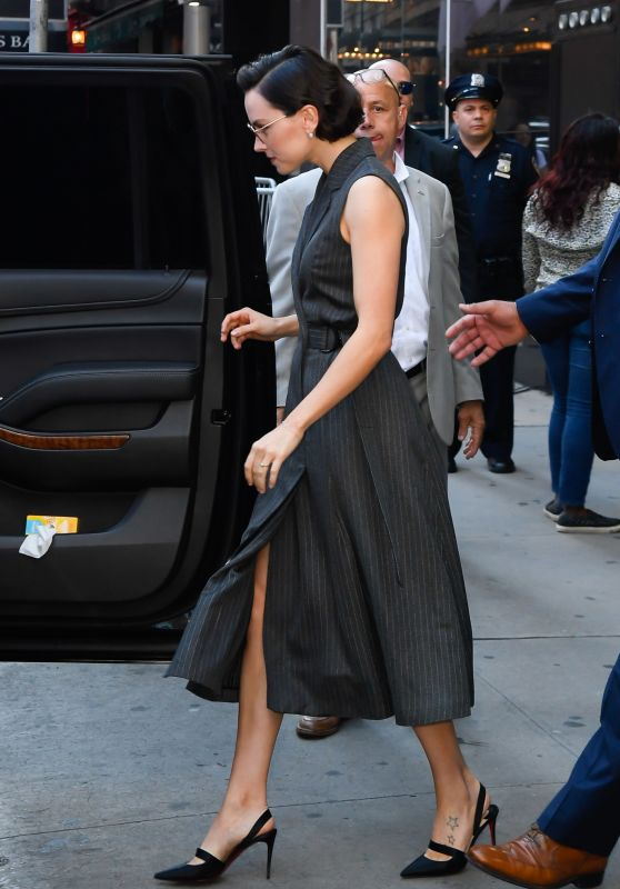 Daisy Ridley - Outside GMA in NYC 06/26/2019