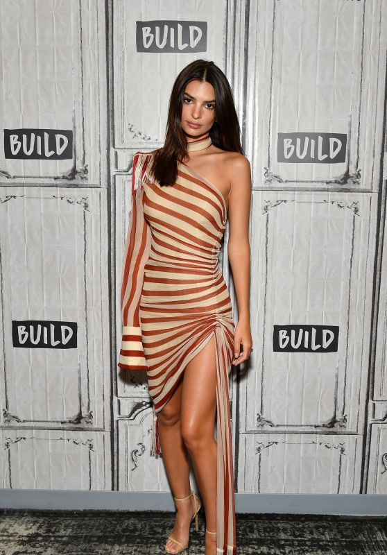Emily Ratajkowski at BUILD Series in NYC 06/17/2019