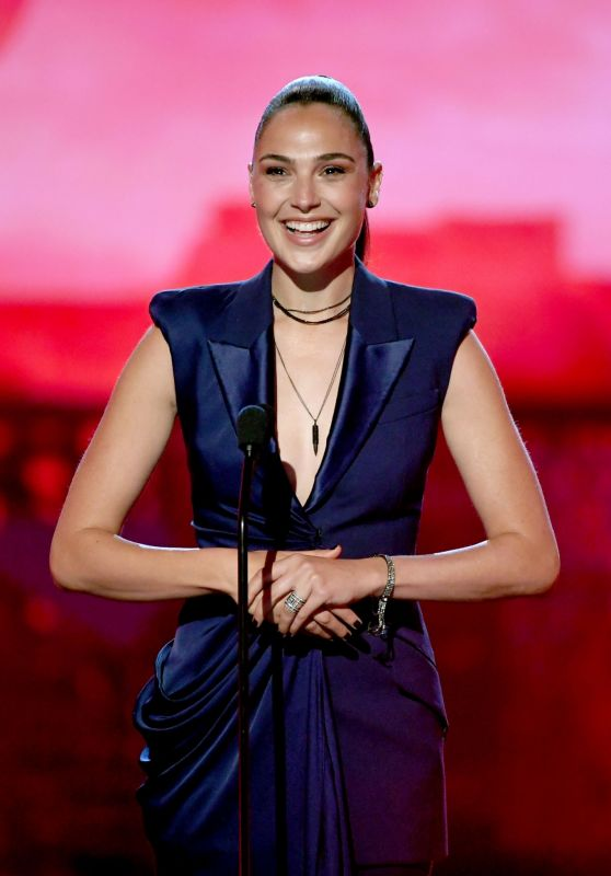 Gal Gadot - 2019 MTV Movie And TV Awards in Santa Monica