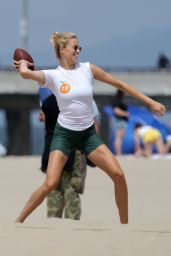 Hailey Clauson - Playing Flag Football on Venice Beach 06/23/2019