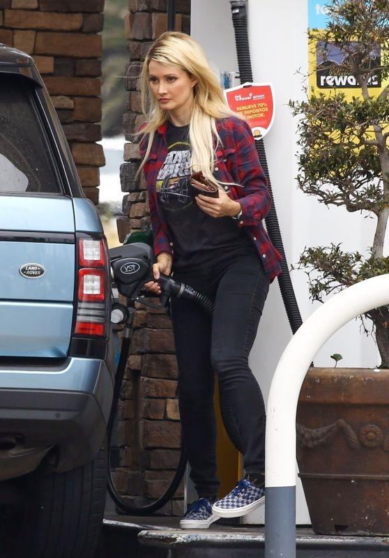 Holly Madison - Getting Gas in Malibu 06/26/2019