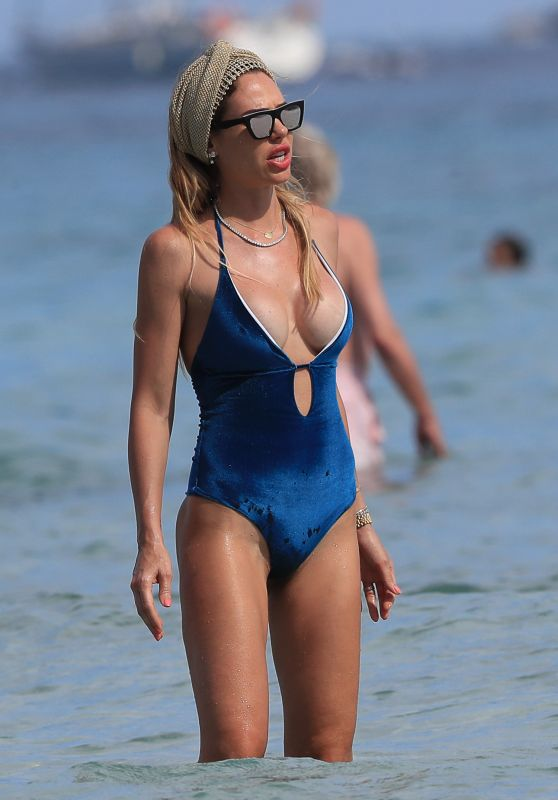 Ilary Blasi in Swimsuit - Ibiza 06/22/2019