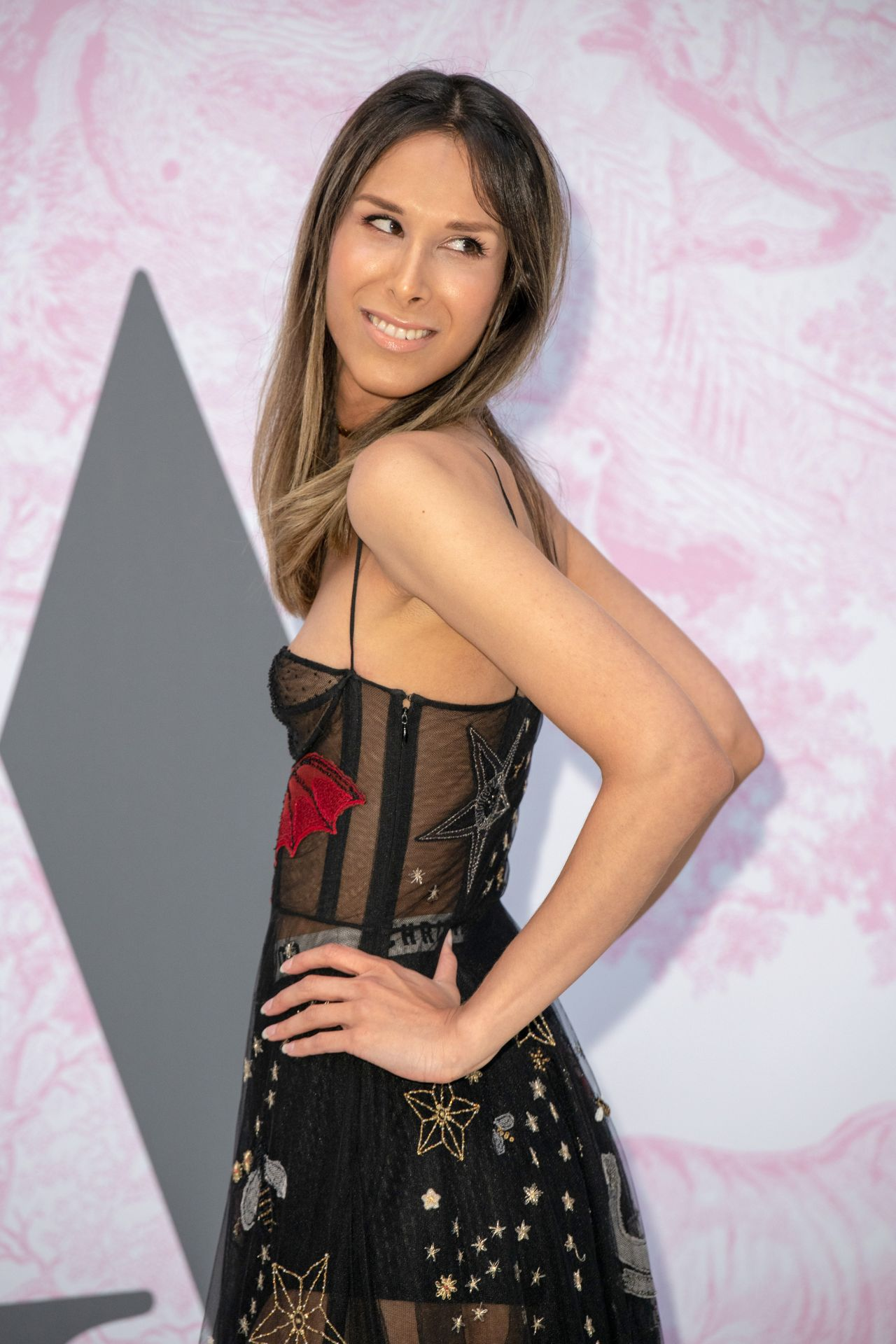 Permalink to Isabella Charlotta Poppius At Va Summer Party In London