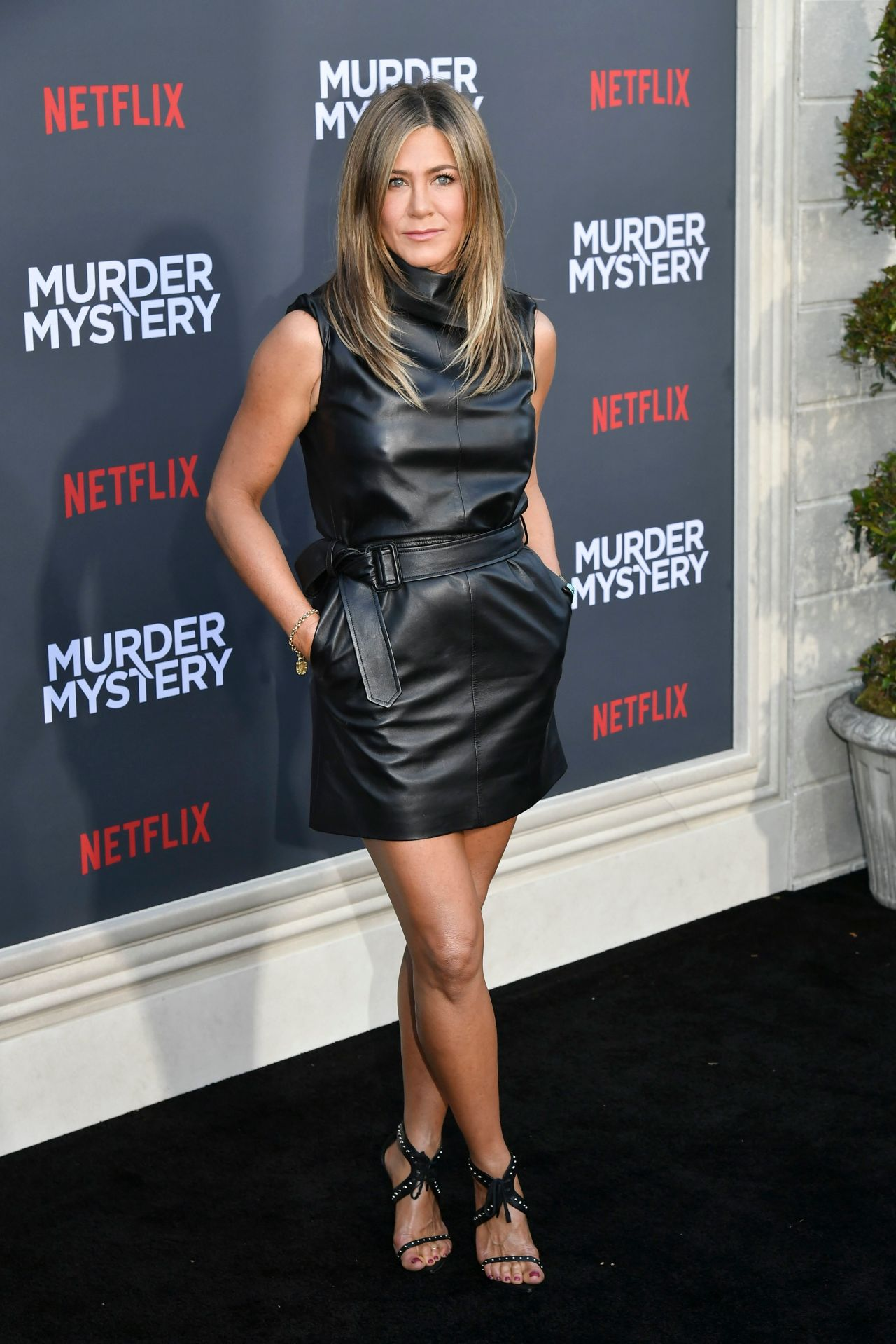 Stunning cougar Jennifer Aniston at Murder Mystery premiere in LA