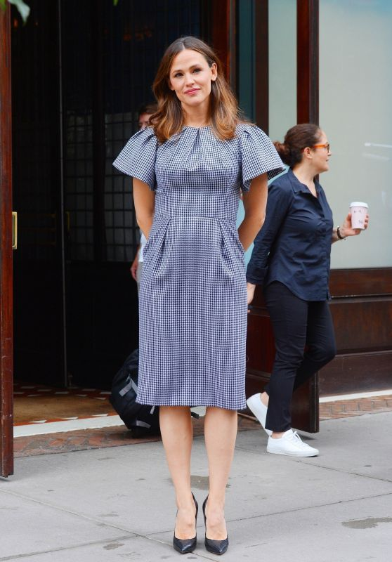Jennifer Garner - Outside Her Hotel in NY 06/18/2019