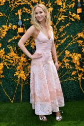 Jennifer Lawrence – 2019 Veuve Clicquot Polo Classic in NY (more photos)