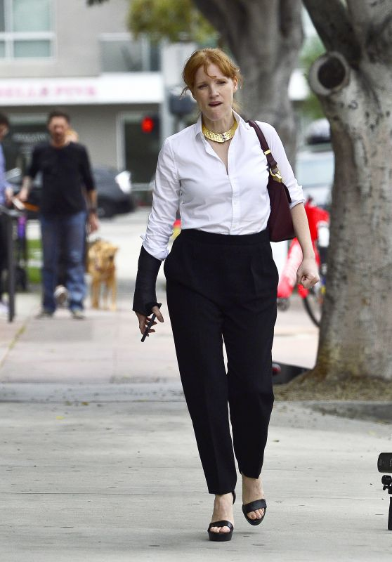 Jessica Chastain - Leaves a Breakfast Meeting at a Cafe in LA 06/20/2019