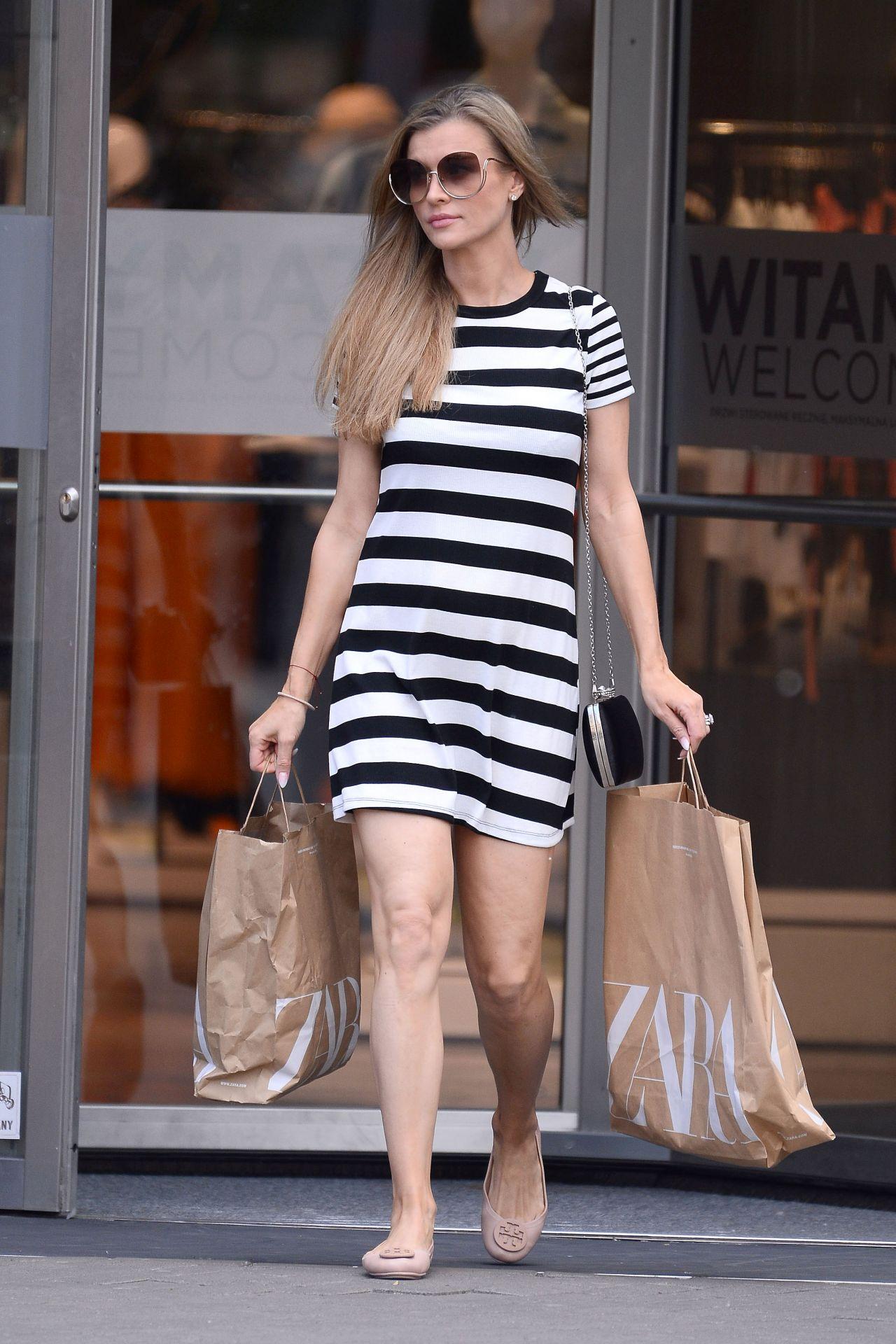 Mini Las Vegas >> Joanna Krupa in Summer Mini Dress 05/27/2019