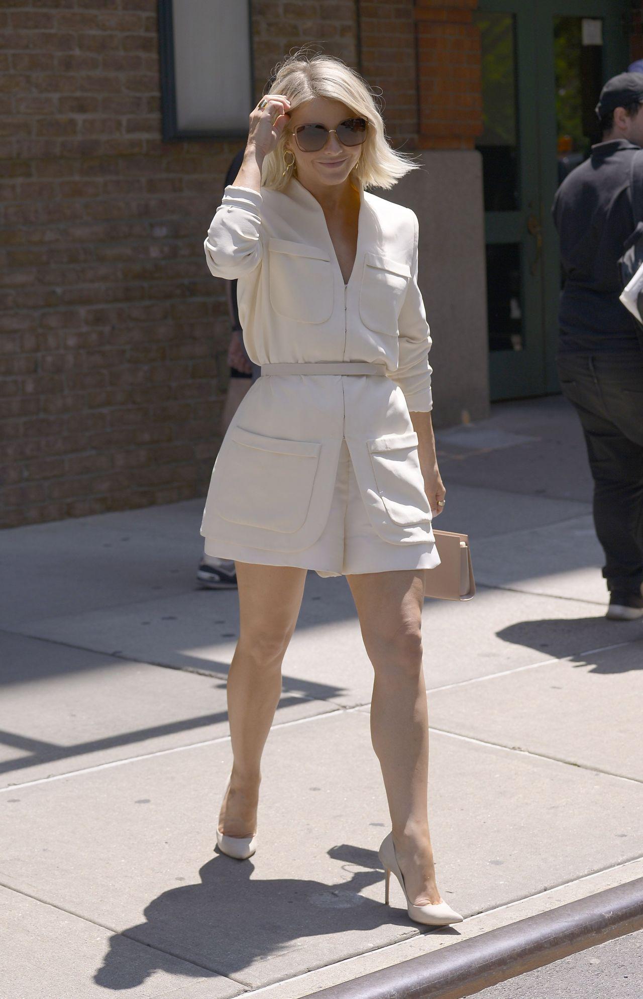 Julianne Hough Is Looking All Stylish 06 23 2019