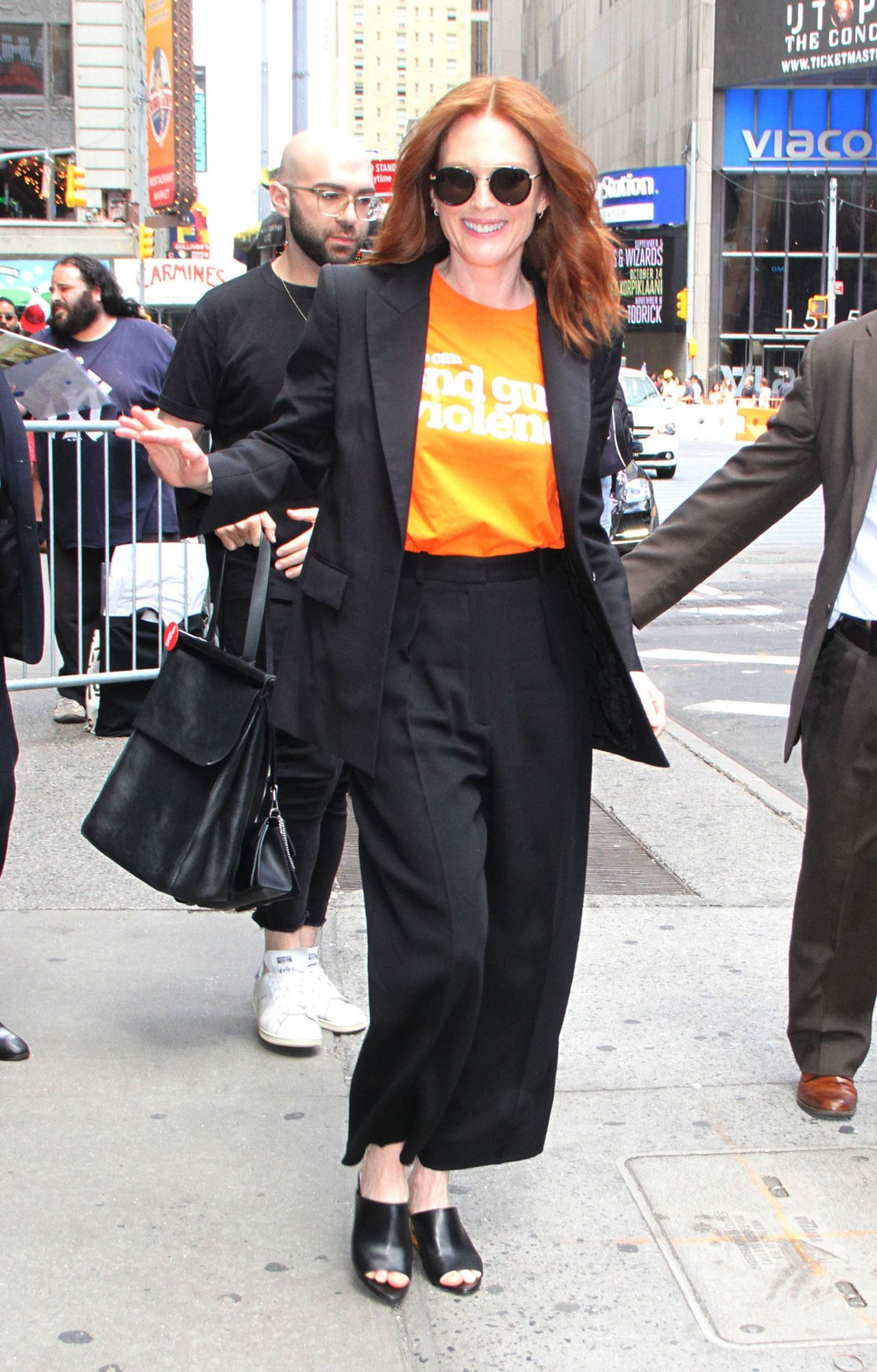 Julianne Moore Out In New York City 06 07 2019