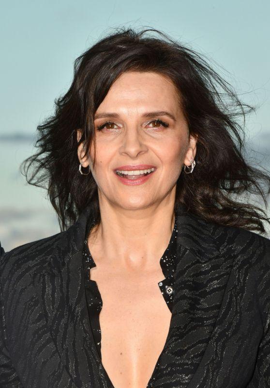 Juliette Binoche – 2019 Cabourg Film Festival 06/15/2019