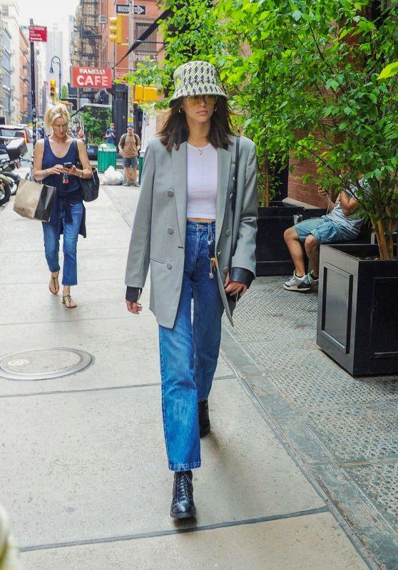 Kaia Gerber Street Style 05/31/2019