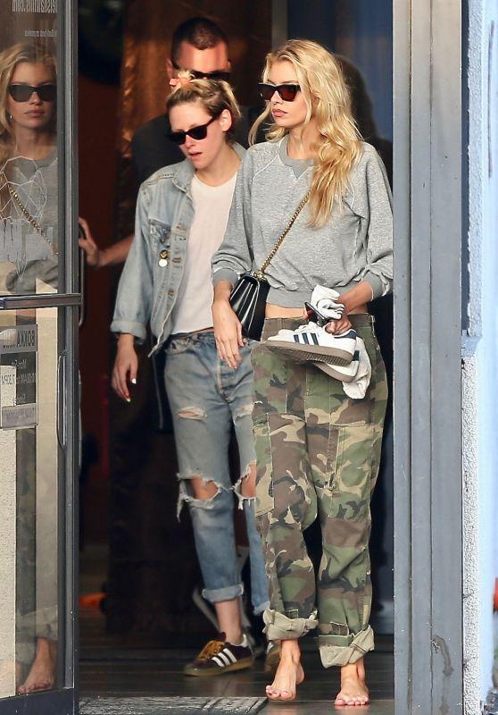 Kristen Stewart Meeting With Stella Maxwell in Los Angeles 06/04/2019
