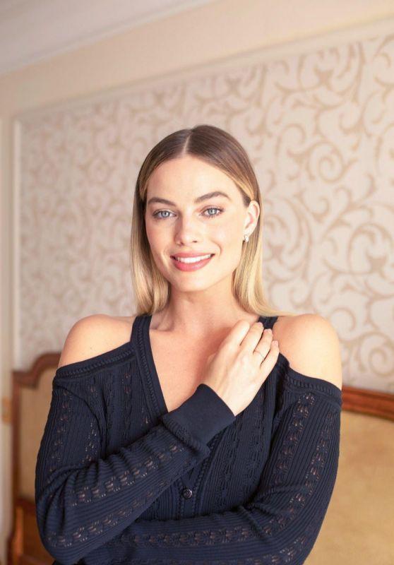 Margot Robbie - Paris Match 2019