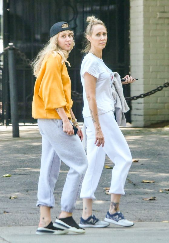 Miley Cyrus With Her Mom - Out in Los Angeles 06/05/2019
