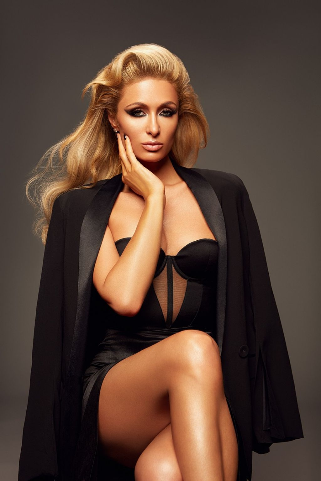 Celebrity sex tape pioneer Paris Hilton in tmrw Magazine, FUCK is she hot!!!