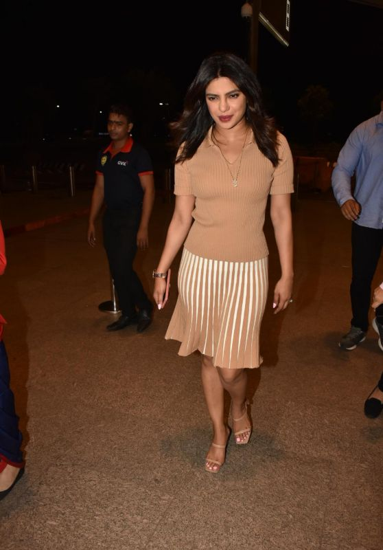 Priyanka Chopra Casual Style - Heading to the Mumbai Airport 06/14/2019
