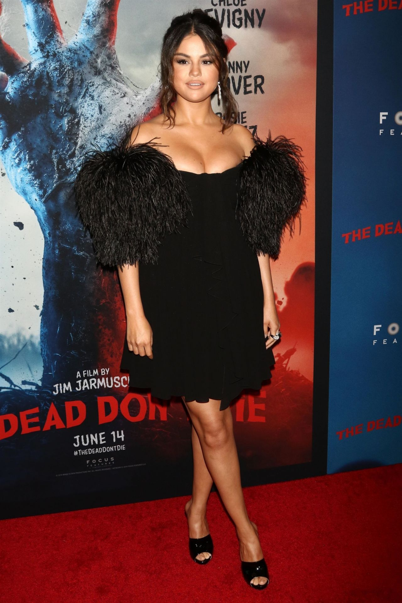 Thicc Selena Gomez fucking stunning, sexy and gorgeous at The Dead Don't Die movie premiere