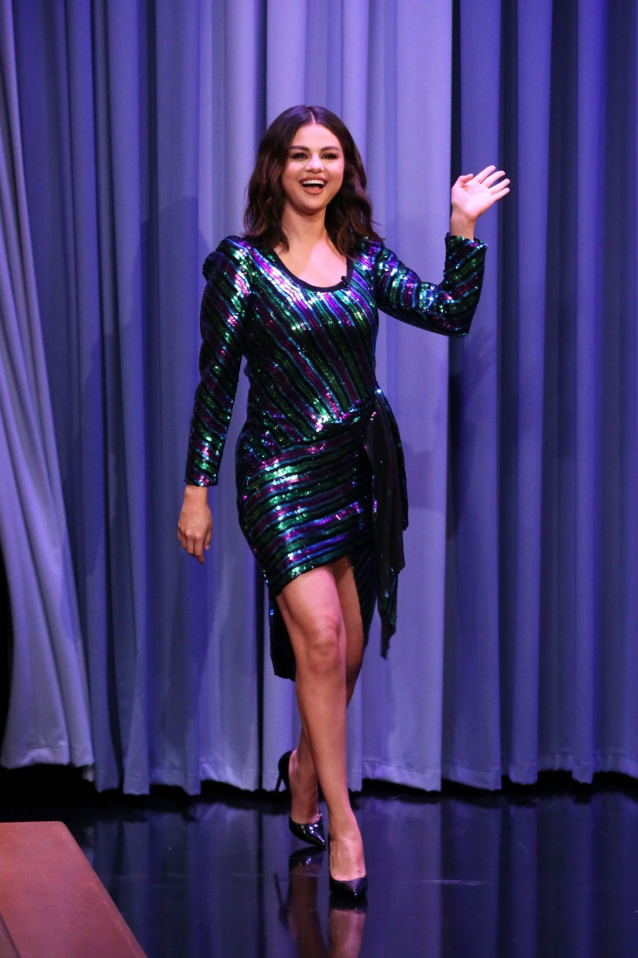 Selena Gomez smokin sexy on The Tonight Show Starring Jimmy Fallon