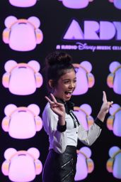Sophie Michelle 2019 Radio Disney Music Awards In Studio