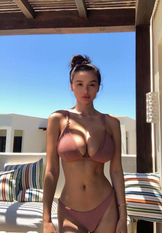 Sophie Mudd in Bikini - Social Media 06/24/2019