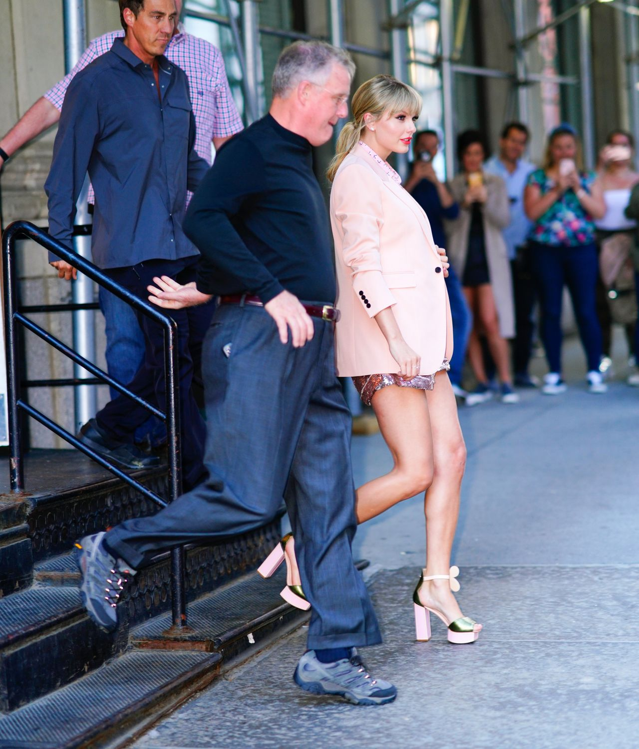 Flat In New York: Heads Out Of Her Apartment In New York 06