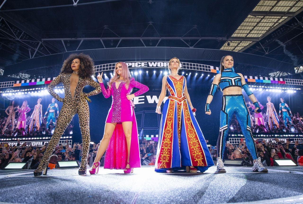 The Spice Girls Performing Live At Wembley Stadium In