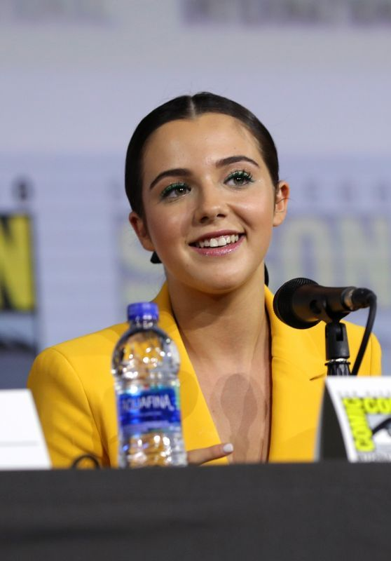 "Alexa Nisenson - ""Fear the Walking Dead"" Panel at SDCC 2019"