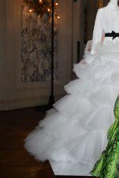 Araya Hargate - Giambattista Valli Haute Couture F/W 2019/2020 Show in Paris