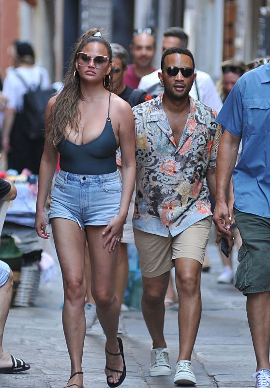 Chrissy Teigen and John Legend in Porto Venere 07/04/2019