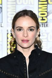 "Danielle Panabaker – ""The Flash"" Press Line at SDCC 2019"