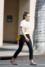 Elizabeth Olsen Street Style 07/08/2019