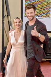 """Elsa Pataky and Chris Hemsworth – """"Once Upon a Time In Hollywood"""" Premiere in LA"""