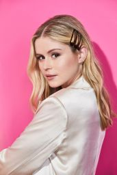 Erin Moriarty - Pizza Hut Lounge Portraits at SDCC 2019