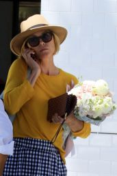 Julie Bowen Casual Style - Leaving Joan