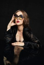 Katharine Isabelle - Pizza Hut Lounge Portraits at SDCC 2019