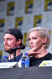 "Katie Cassidy - ""Arrow"" Special Presentation and Q&A at SDCC 2019"