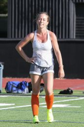 Kendra Wilkinson - Playing Soccer in LA 07/08/2019