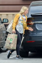 Kristen Bell - Grocery Shopping in Studio City 07/08/2019