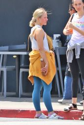 Kristen Bell - Leaving the Gym in LA 07/09/2019