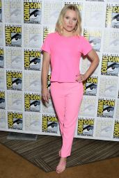 """Kristen Bell - """"The Good Place"""" Press Line at 2019 SDCC"""