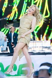 Kylie Minogue - 2019 Glastonbury Festival in Pilton Somerset 06/30/2019