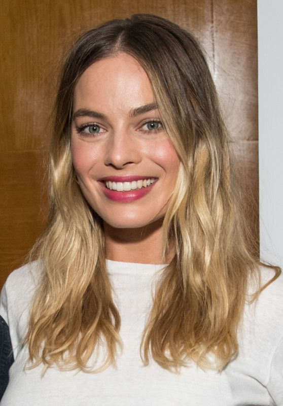 "Margot Robbie - Australians in Film Screening of ""Once Upon a Time in Hollywood"" in LA"