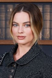 Margot Robbie - Chanel Haute Couture Fall/Winter 19/20 Show at Paris Fashion Week