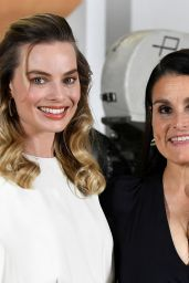 """Margot Robbie - Photocall for """"Once Upon a Time in Hollywood"""" in Beverly Hills"""