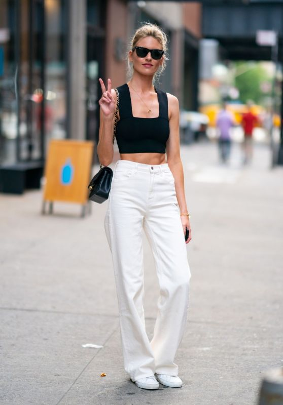Martha Hunt - Out in Chelsea in NY 07/17/2019