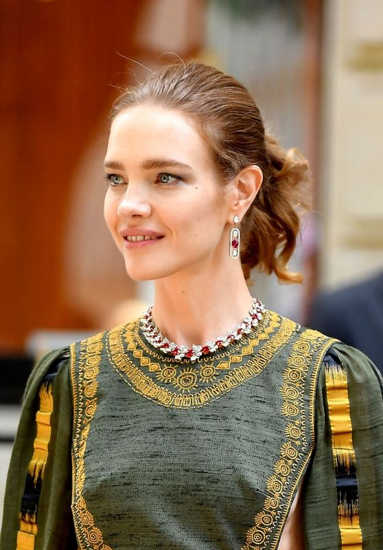 Natalia Vodianova - Outside the Christian Dior Haute Couture Fall/Winter 2019/2020 Show in Paris