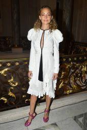 Nicole Richie – Giambattista Valli Haute Couture F/W 2019/2020 Show in Paris